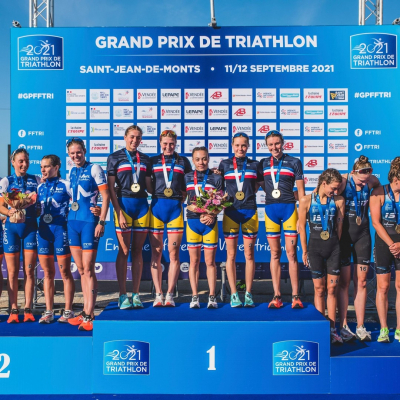 Two new French championship title for @poissytri! 👏🇫🇷  Following the new victory of the women's team and the fourth place of the men's team on the final in Saint-Jean-de-Monts, the club achieves once again the Men's/Women's double at the French D1 championship.  Congratulations to the triathletes and staff!   📸: @chrisgourdyphoto   #keeponriding #zefal #triathlon #triatlon #grandprix #bike #cycling
